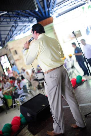 Almuerzo Navideño 2013-08