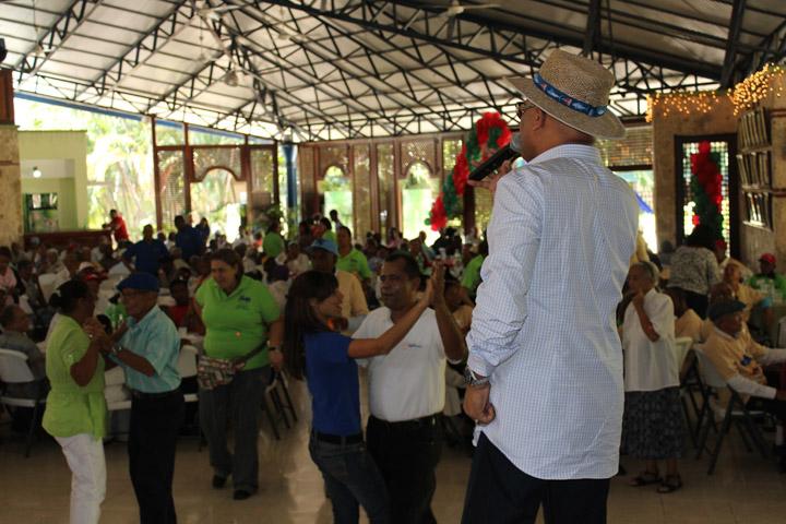 Almuerzo Navideño 2012-04